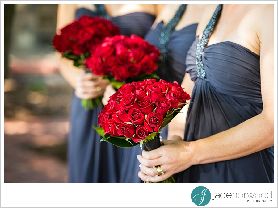 bridesmaids and their red roses wedding pictures