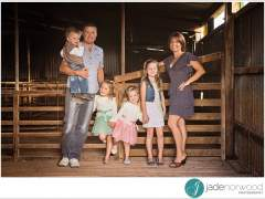 Relaxed Natural Family Photos