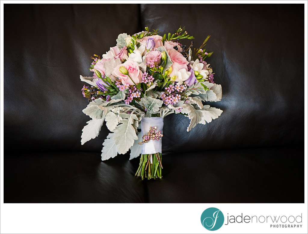 bride real flowers wedding bouquet