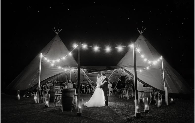 Top 10 tips for an outdoor wedding reception